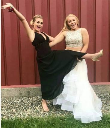 prom WA taylor and kistin